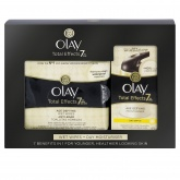 Olay Total Effects Day Moisturiser and Wipes Gift Set