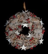 Frosted Berry & Cone Christmas Wreath - 31cm